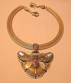 BEE PENDANT NECKLACE BY PATRICE